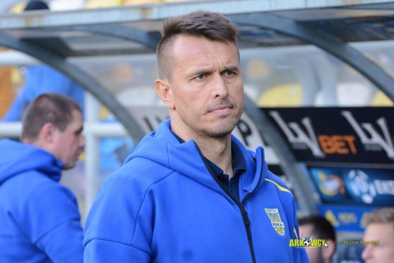 60dc90cc_leszek-ojrzynski-sezon-2017-2018-arka-gdynia-zaglebie-lubin.jpg
